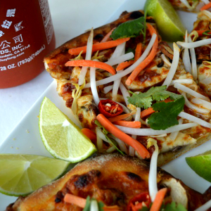 Thai pizza - Served with Sriracha Close Up